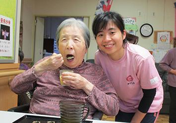 2022年短期大学・専門学校・高校新卒採用 – 特別養護老人ホーム介護職員(きりしき)
